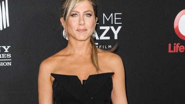 Jennifer Aniston está se consultando com um 'confidence coach'