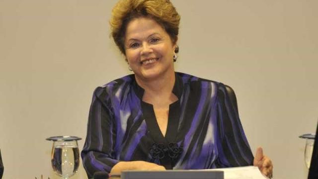 Dilma cumprimenta, por telefone, presidente eleito da Argentina