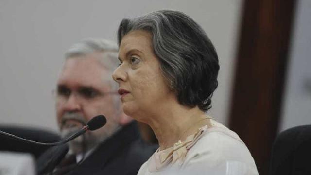 TSE aprova com ressalvas contas da campanha de Dilma