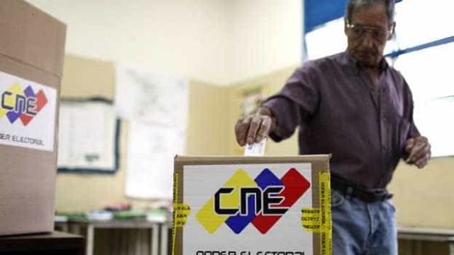 Venezuela faz último teste em urnas antes da eleição legislativa