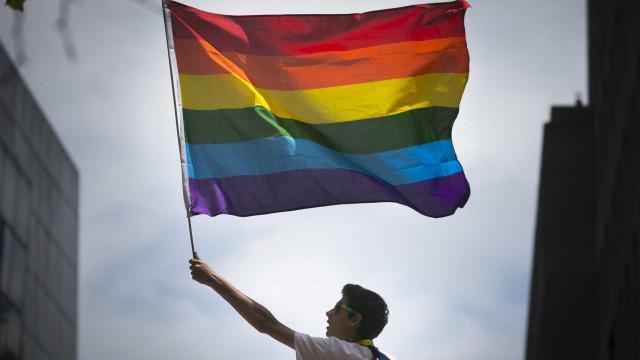 Em apoio à comunidade LGBT, Salvador terá faixas de pedestres coloridas
