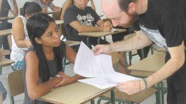 Brasil ainda tem um em cada cinco jovens sem trabalhar nem estudar