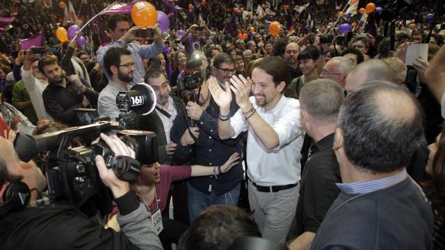 Espanhóis vão às urnas em  eleições gerais neste domingo