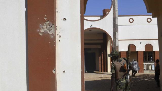 66 soldados condenados à morte  recebem perdão parcial