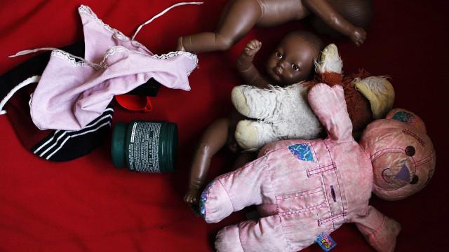 Mulher é presa após deixar filho de 2 anos sozinho em Rondônia