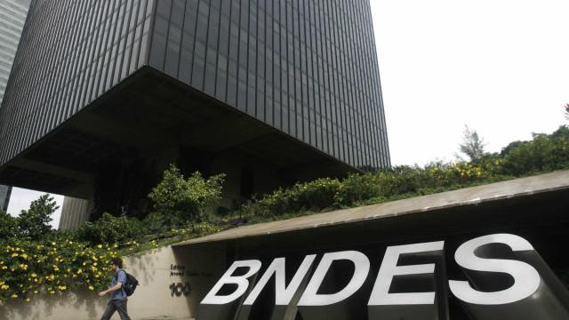 Liberações do BNDES caem 34,4% em outubro ante outubro de 2014