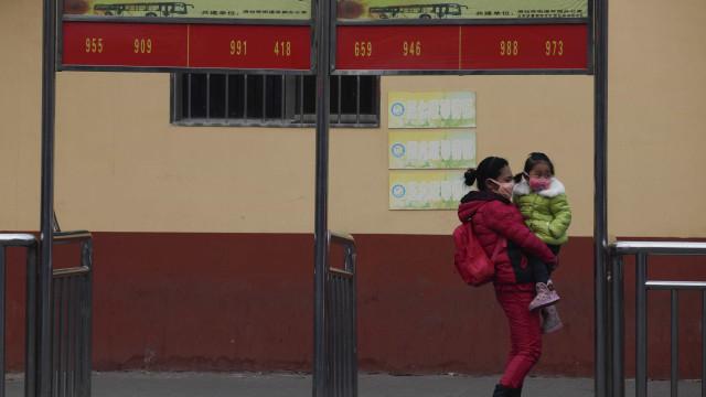Assembleia Popular da China aprova fim da política do 'filho único'
