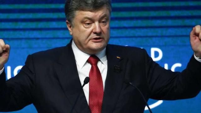 Poroshenko autoriza sanções contra Moscou