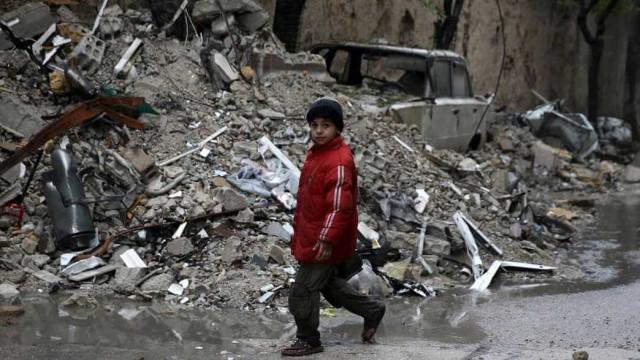 Três meses de ataques russos na Síria  fizeram mais de 2.300 mortos