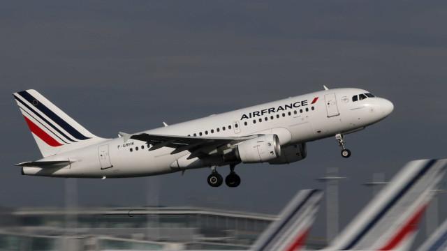 Avião da Air France faz pouso de emergência após alerta de bomba