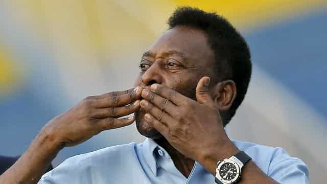 Pelé faz fisioterapia nos EUA após cirurgia realizada em dezembro