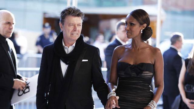 David Bowie deixa fortuna para mulher e filhos