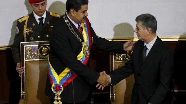 Pela primeira vez, Venezuela aprova medida a favor de presos políticos