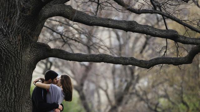 O que cada signo revela sobre o beijo