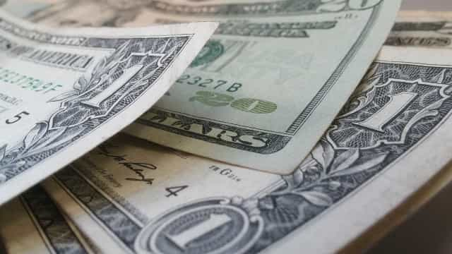 Câmbio para fim de 2016 sobe de R$ 4,20 para R$ 4,21