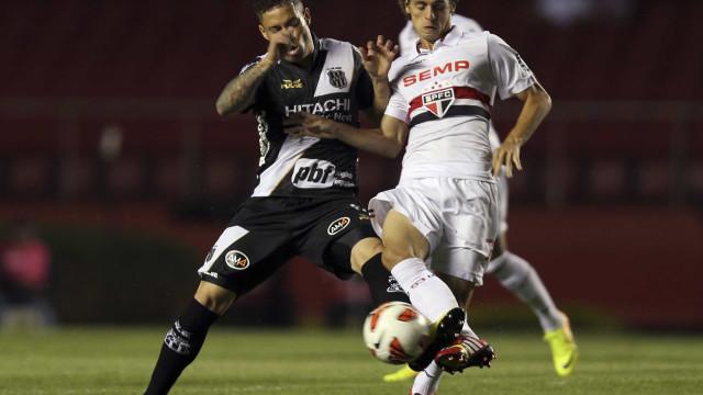São Paulo encara o Flamengo na luta por vaga nas semifinais