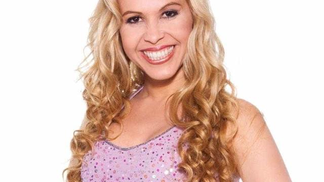 Joelma lança música e fãs dizem ser para Ximbinha