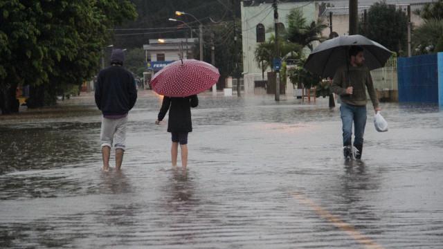 Chuvas deixam 16 cidades em emergência no interior de São Paulo