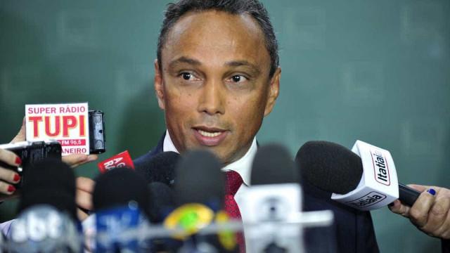 Líder diz que PT está 'convencido' de propostas impopulares do governo