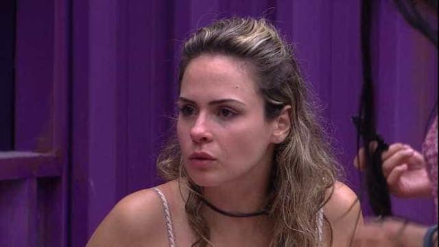 Ana Paula ameaça deixar BBB e dispara: 'Isso é um pesadelo'