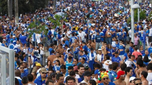 Cruzeiro decepciona e fica no 0 a 0 com a URT na abertura do Mineiro