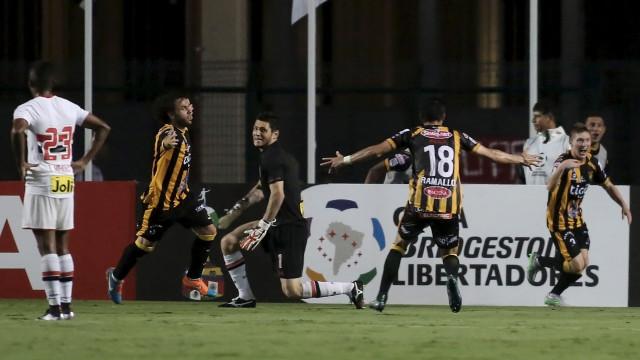 São Paulo decepciona e perde  em casa na Libertadores
