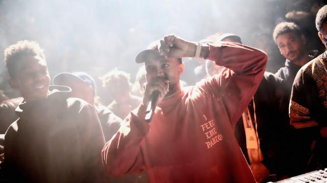 """Kanye West tem """"problemas para controlar os impulsos"""""""
