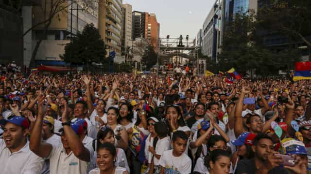 Venezuela reforça policiamento em supermercados