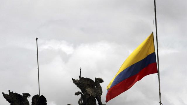 Colômbia oferece 25 mil dólares por dicas que evitem atos terroristas