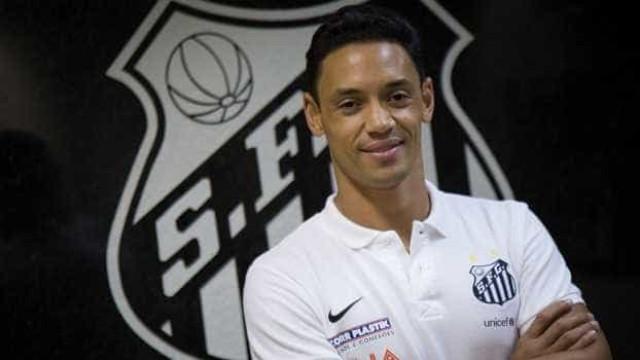 Santos poupa parte do elenco e Ricardo Oliveira nem viaja para amistoso
