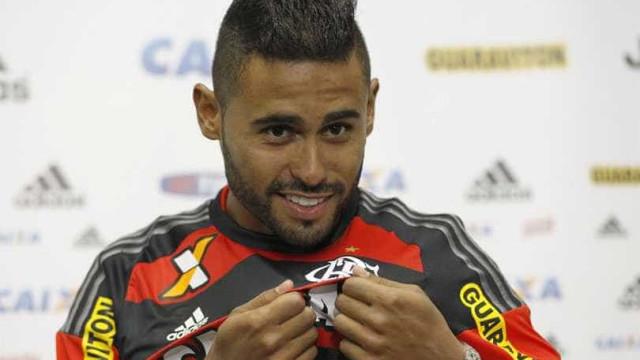 Flamengo anuncia venda do atacante Kayke a time japonês