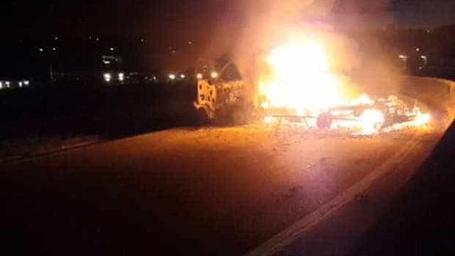 Quadrilha usa dinamites e fuzis contra empresa de carro-forte em Campinas