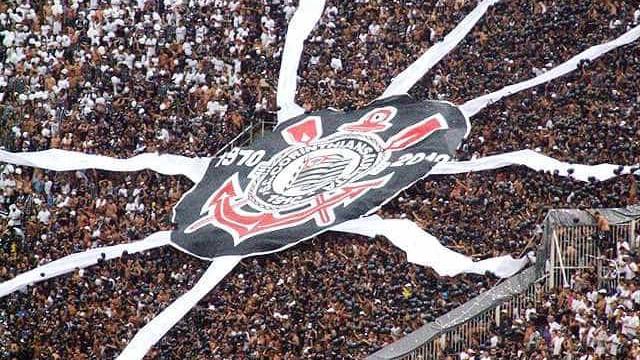 Polícia e torcedores do Corinthians entram em confronto no Itaquerão