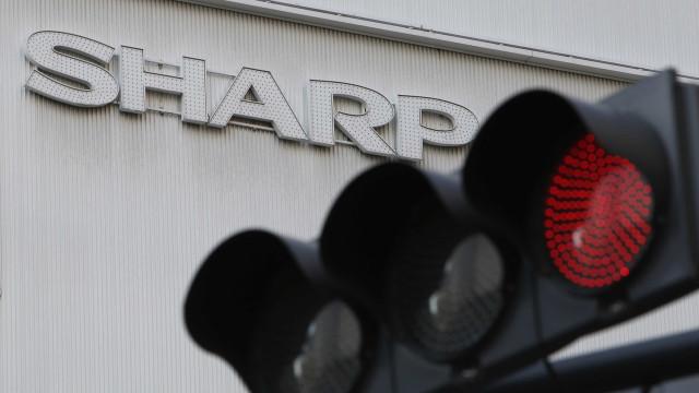 Sharp altera previsão de lucro e Foxconn deve reduzir oferta de compra