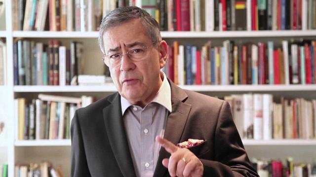 Campanha nas redes sociais pede demissão de Paulo Henrique Amorim