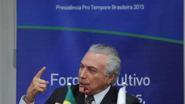 Temer se reúne com PMDB para fechar  questão sobre saída do governo