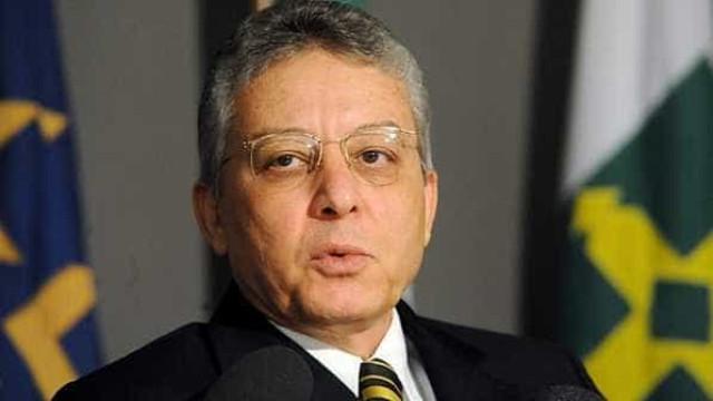 Diretor do BC faz críticas ao governo sobre o ajuste nas contas públicas