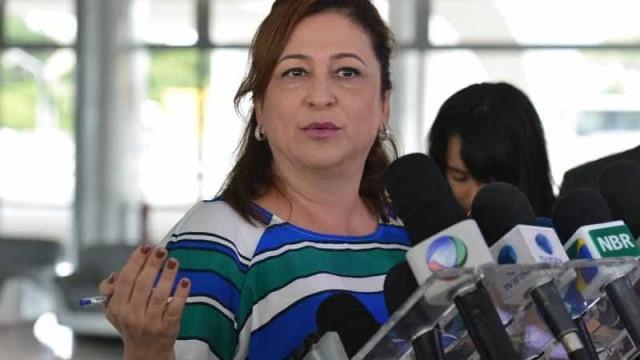 PMDB da Bahia pedirá que Kátia Abreu seja  expulsa da legenda