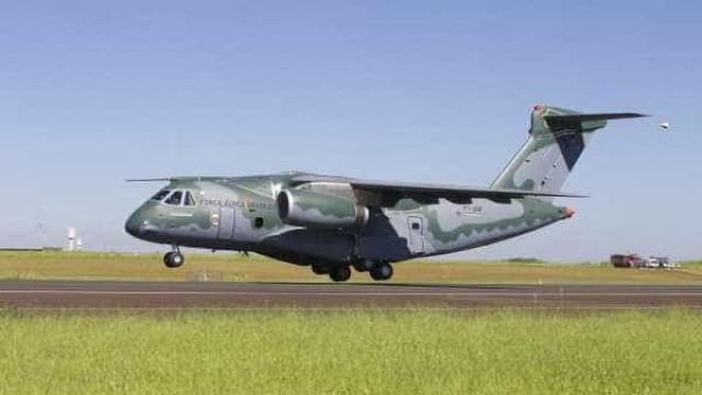 Conheça a aeronave cargueiro KC-390