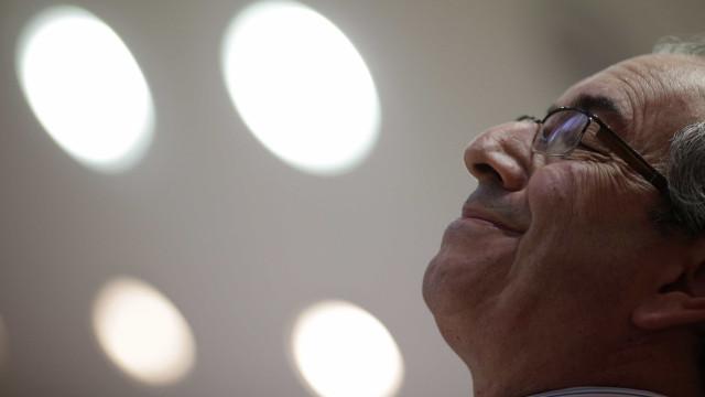 Cunha tem 14 dias para responder sobre contas na Suíça