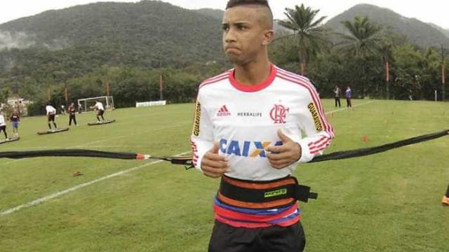 Jorge treina sem restrições no Flamengo e Guerrero é poupado