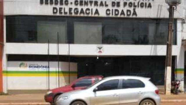 PM prende homem que mantinha mulher e filho trancados dentro de casa