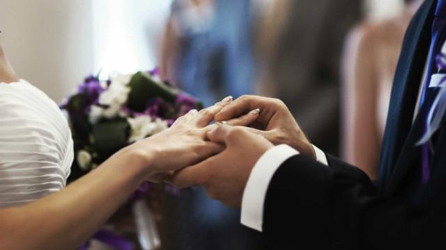 Marido mata mulher na noite de núpcias por ela não ser virgem