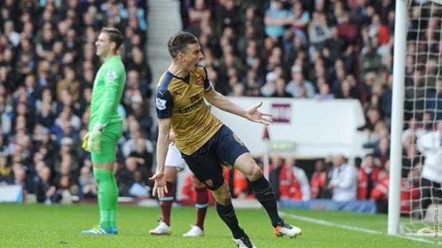 Arsenal e West Ham empatam  em jogo movimentado