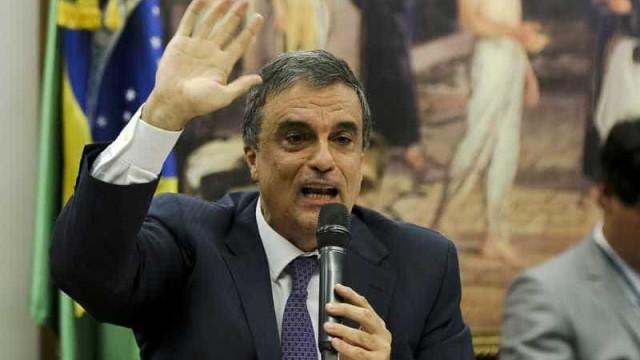 É possível discutir sobre o impeachment  no judiciário, diz Cardozo