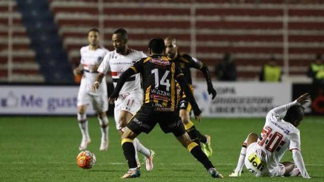 São Paulo empata na Bolívia e vai às oitavas da Libertadores