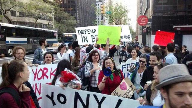 Grupos contra e pró-impeachment fazem manifestação na ONU