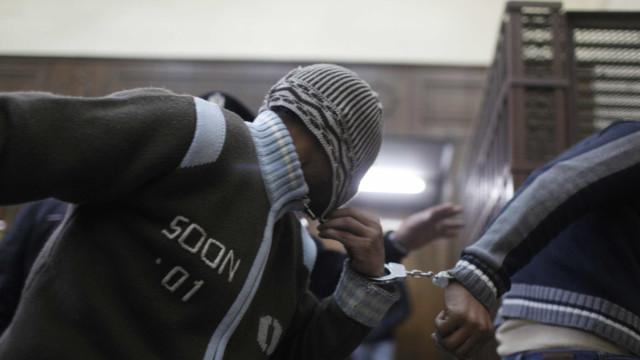 Egito condena onze pessoas à prisão por homossexualidade