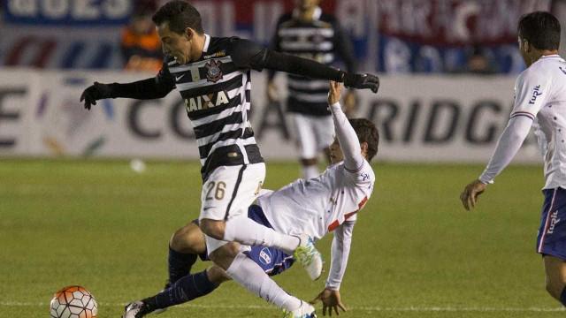 Corinthians joga mal, mas consegue empate com o Nacional