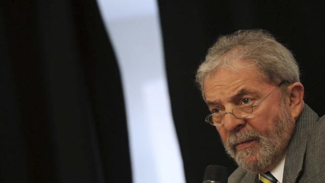 Lula vai negociar cargos e reforçar atos a favor do governo, diz jornal